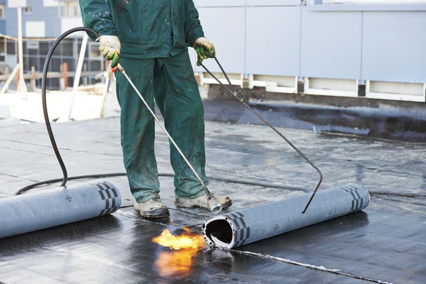 Brandwacht inhuren bij werkzaamheden aan daken
